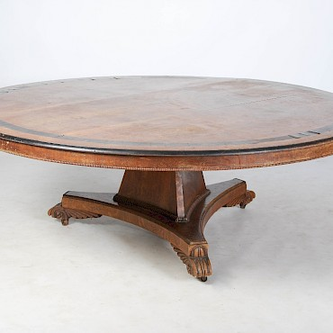 An exceptionally large Scottish William IV oak and ebony inlaid circular dining table, sold for £22,000