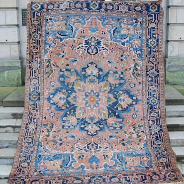 A Heriz carpet, North West Persia, early 20th century, sold for £650