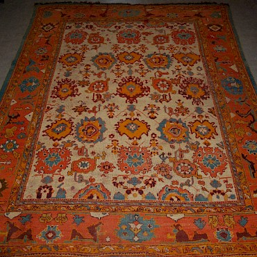 An Ushak carpet, late 19th/ early 20th century, sold for £4,000