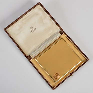 An 18ct gold cigarette case by Asprey, 166 Bond Street, London, sold for £2,600