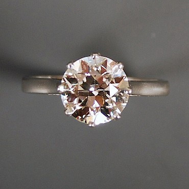 A diamond soliatire ring, 1.52cts, sold for £1,500