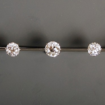 An Edwardian diamond five stone brooch, 2.64cts, sold for £1,450
